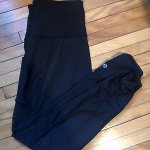 EUC Size 8 Black Lululemon Mesh Panel Leggings